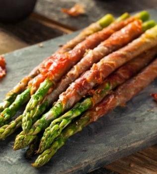 Dinner Tonight: Grilled Asparagus, Turkey Burgers on Romaine & Peaches