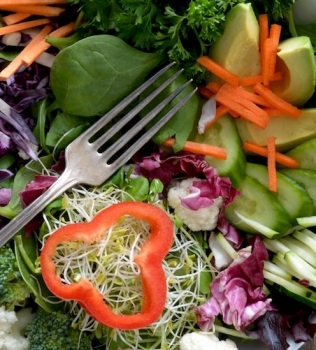 How to Prevent Salad Bloat